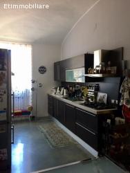 Raffinato alloggio in via Giacosa